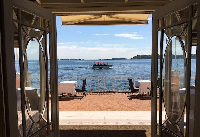 Grand Hotel Gardone Riviera, Gardone Riviera, Khu ẩm thực ngoài trời