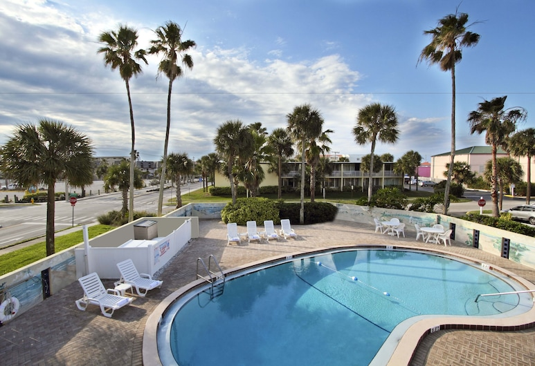 Days Inn by Wyndham Cocoa Beach Port Canaveral, Cocoa Beach, Buitenzwembad