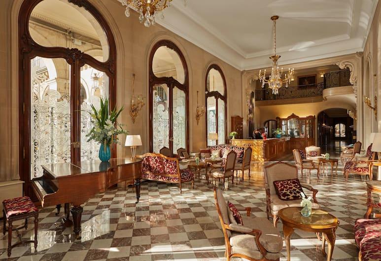 里賈納羅浮酒店, 巴黎, 大堂
