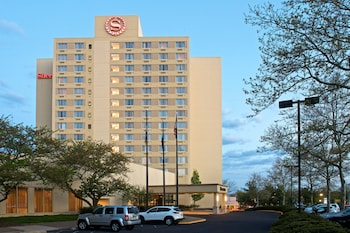 Picture of Sheraton Bucks County Hotel in Langhorne