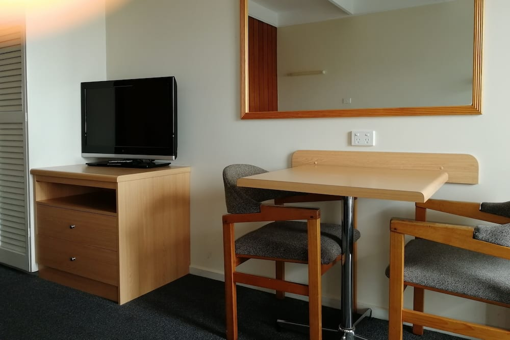 Superior Double Room, 1 Queen Bed - In-Room Dining