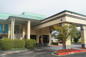 Picture of Days Inn Clemson in Clemson