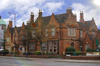 Picture of Best Western Plough & Harrow Hotel in Birmingham
