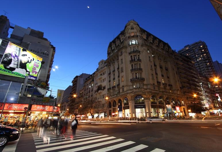 Wilton Hotel, Buenos Aires, Hotelfassade am Abend/bei Nacht