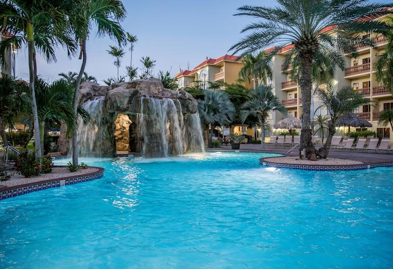Eagle Aruba Resort & Casino, ออรานเจสตัด, น้ำตกในสระว่ายน้ำ
