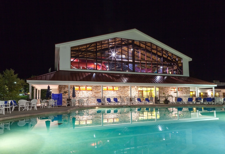 Red Jacket Mountain View and Indoor Water Park, North Conway, Scivolo d'acqua