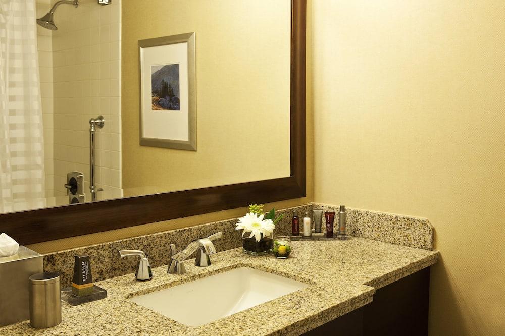 Room, 2 Katil Kelamin (Double), Non Smoking, Patio - Bilik mandi