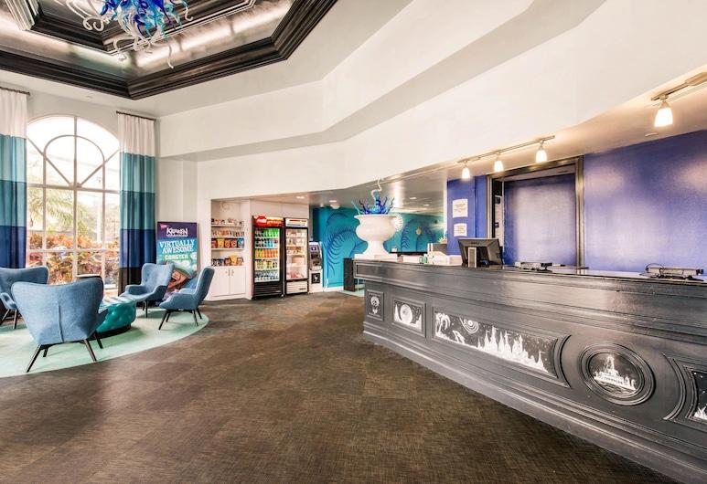 Quality Inn & Suites Near the Theme Parks, Orlando, Sitzecke in der Lobby