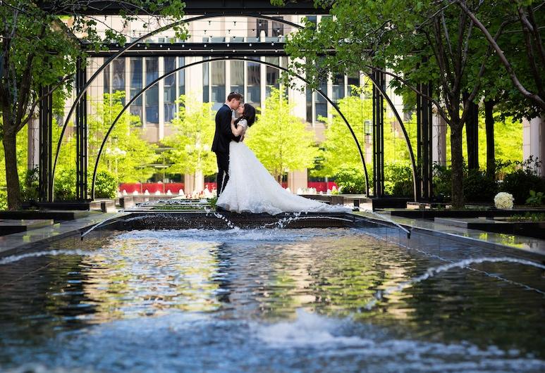 Fairmont Chicago at Millennium Park, Chicago, Courtyard