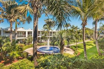 Picture of Beachcomber Beach Resort in St. Pete Beach