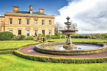 Picture of Oulton Hall in Leeds
