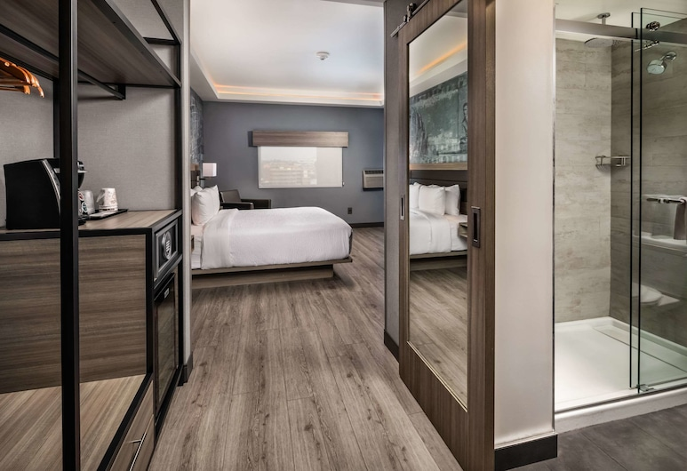 Avenue Hotel, Ascend Hotel Collection, Los Angeles, Standard Room, 1 King Bed, Accessible Roll-in Shower, Non Smoking, Herbergi