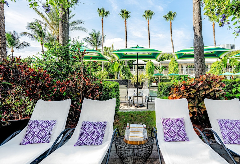 Kimpton Surfcomber Hotel, Miami Beach, Pool