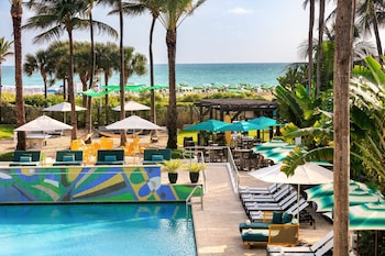 Picture of Kimpton Surfcomber Hotel in Miami Beach