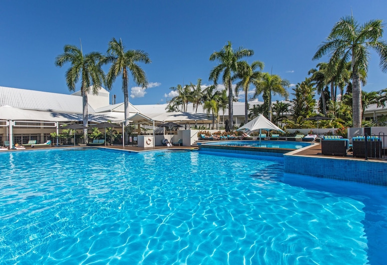 Shangri-La Hotel, The Marina, Cairns, Pool