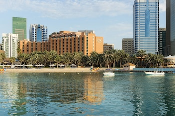 Picture of Sheraton Abu Dhabi Hotel & Resort in Abu Dhabi