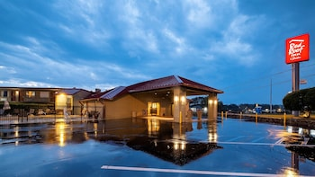 Nuotrauka: Red Roof Inn & Suites Dothan, Dothan