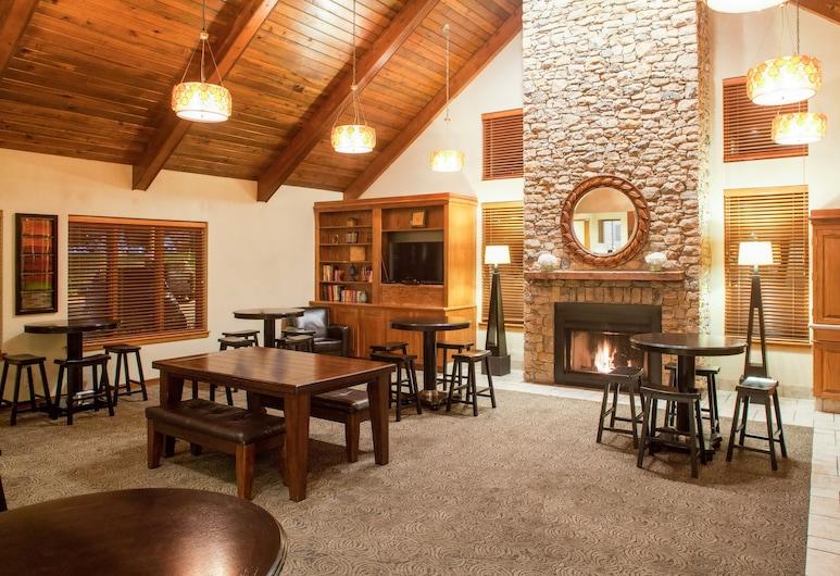 Cloverleaf Suites Kansas City - Overland Park, Overland Park, Lobby Lounge