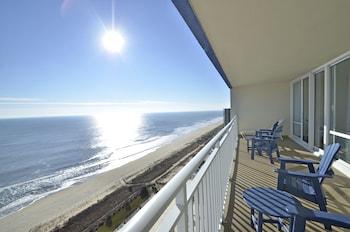 Picture of Carousel Resort Hotel & Condominiums in Ocean City