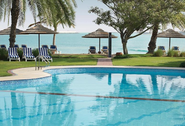 Le Meridien Abu Dhabi, Αμπού Ντάμπι, Πισίνα