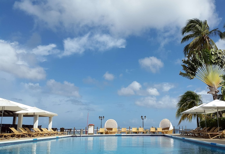 Radisson Grenada Beach Resort, St. George's, Outdoor Pool