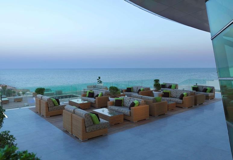 Radisson Blu Hotel, Kuwait, Salwa, Bar khách sạn
