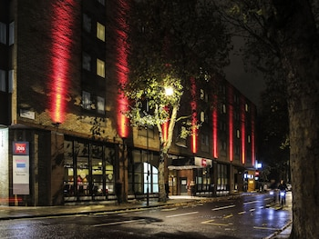 Choose This Business Hotel in London -  - Online Room Reservations