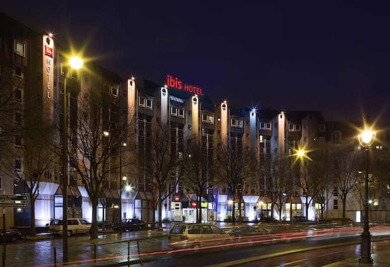 ibis Paris La Villette Cité des Sciences 19ème, Paris, Hotel Front – Evening/Night