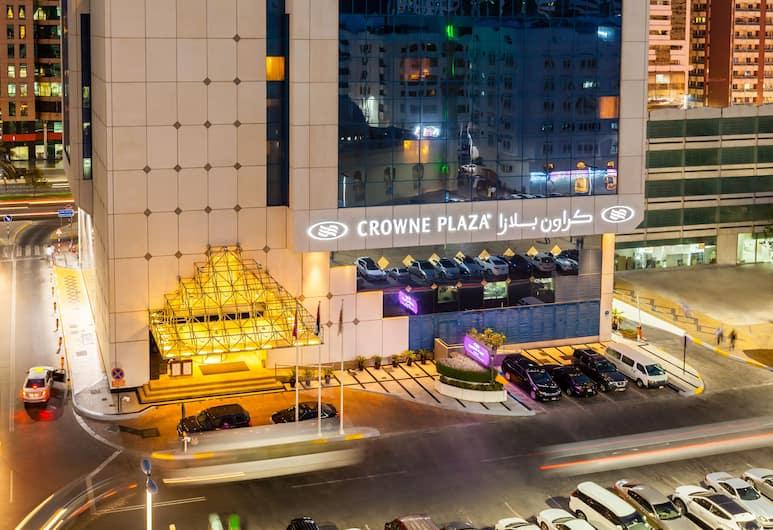Crowne Plaza Abu Dhabi, Abu Dhabi, Hotellets front