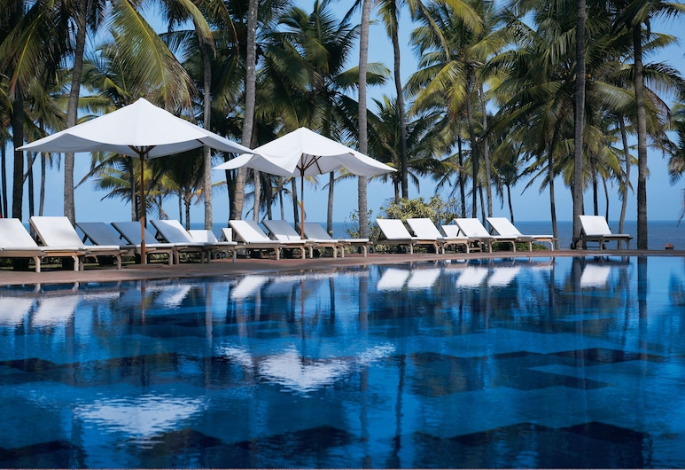 Taj Holiday Village Resort & Spa, Candolim, Piscina