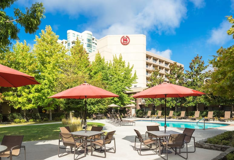 Sheraton Vancouver Airport Hotel, Richmond, Outdoor Pool