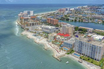 Picture of Winter the Dolphins Beach Club, Ascend Hotel Collection in Clearwater Beach