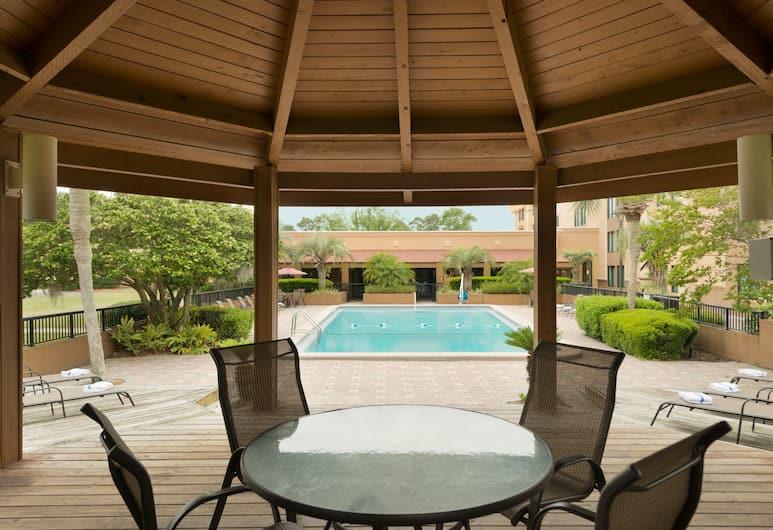 Ramada Hotel & Conf Cntr by Wyndham Jacksonville/Baymeadows, Jacksonville, Gazebo