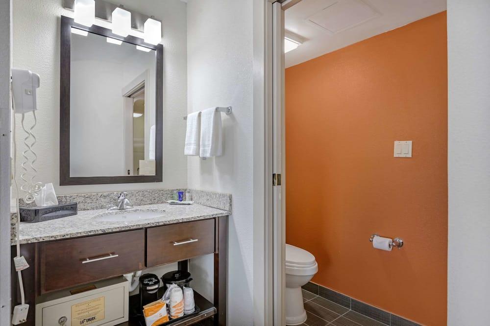 Standard Room, 2 Katil Kelamin (Double), Non Smoking, Refrigerator & Microwave - Bilik mandi