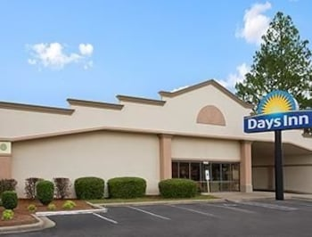 Picture of Days Inn Fayetteville-South / I-95 Exit 49 in Fayetteville