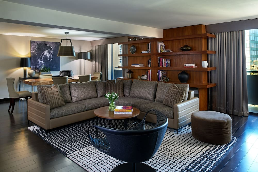 Presidential Suite (Back Bay View) - Living Room