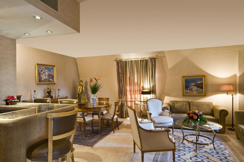 Royal Suite, 1 Katil Raja (King), Sauna - Ruang Tamu