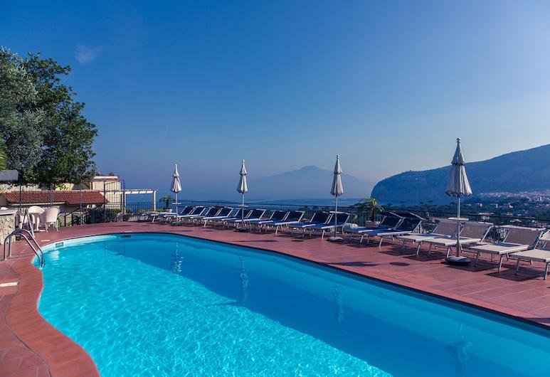 Cristina Hotel, Sant'Agnello, Basen na dachu