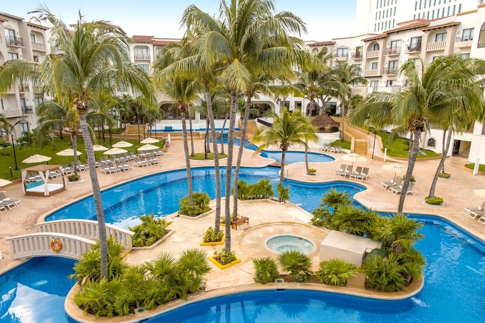 Villa Master Suite - Exterior
