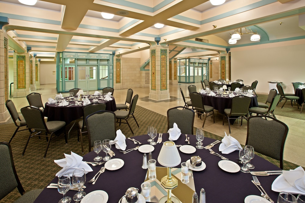 Crowne Plaza Indianapolis Downtown Union Station Banquet Hall