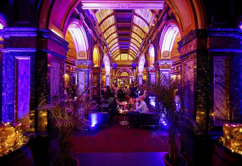 Hilton Sydney, Sydney, Nočný klub