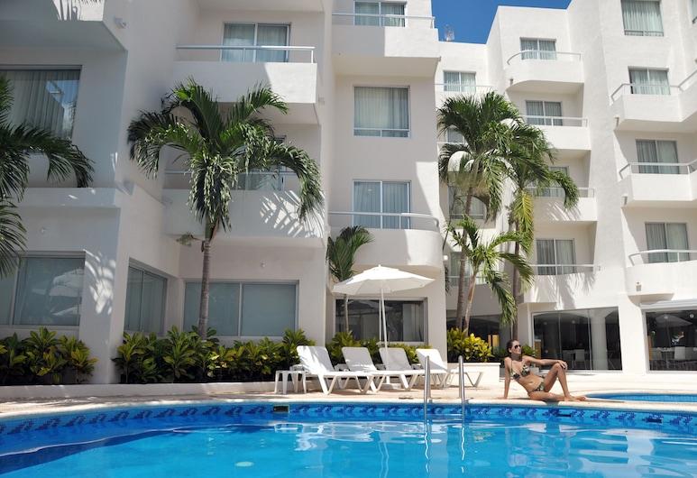 Ramada Cancun City, Cancun, Outdoor Pool