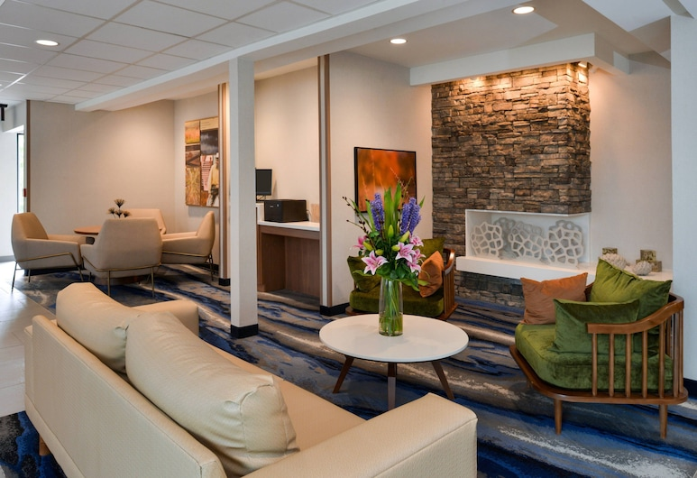 Fairfield Inn & Suites by Marriott Arlington Six Flags, Arlington