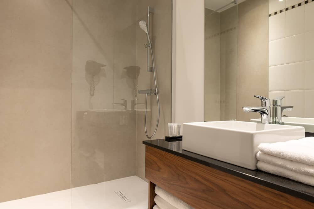 ห้องดีลักซ์, เตียงใหญ่ 2 เตียง (Guestroom) - ห้องน้ำ