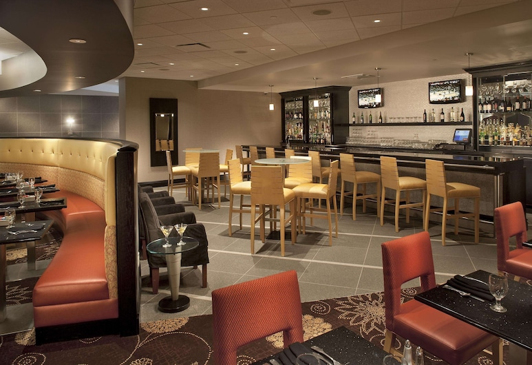 DoubleTree by Hilton Pittsburgh - Monroeville Convention Ctr, Monroeville, Hotel Bar