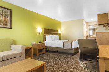 Picture of Days Inn & Suites Arcata in Arcata