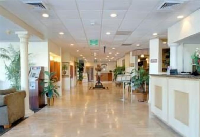 Ramada by Wyndham Fort Lauderdale Airport/Cruise Port, Fort Lauderdale, Lobby