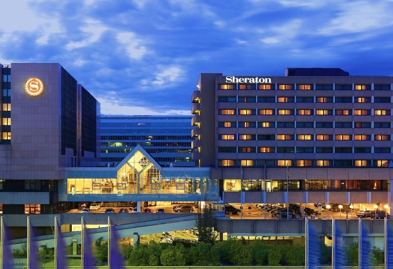 Sheraton Frankfurt Airport Hotel & Conference Center, Frankfurt, Exterior
