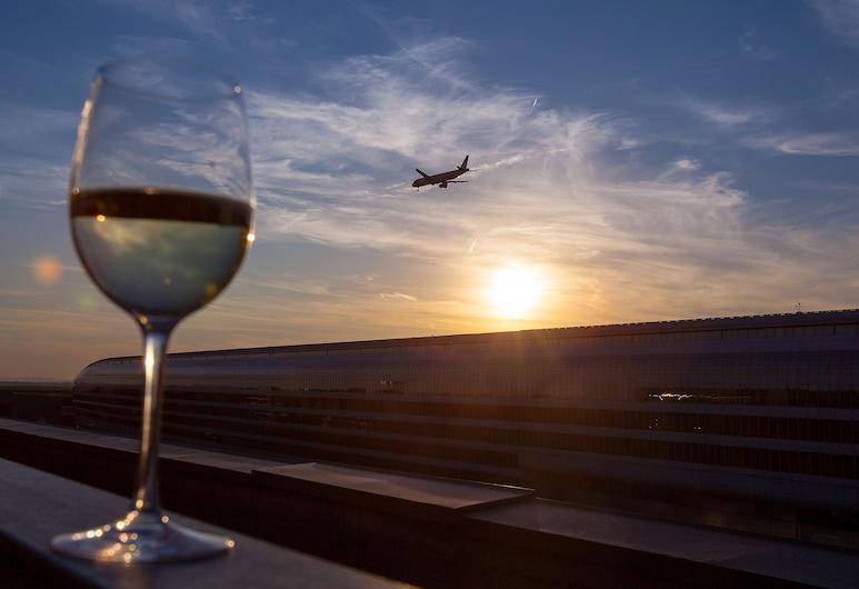 โรงแรมและศูนย์การประชุมเชอราตัน สนามบินแฟรงก์เฟิร์ต, แฟรงก์เฟิร์ต, ห้องสแตนดาร์ด, เตียงเดี่ยว 2 เตียง, ปลอดบุหรี่, ห้องพัก