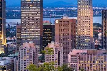 Picture of Le Centre Sheraton Montreal Hotel in Montreal
